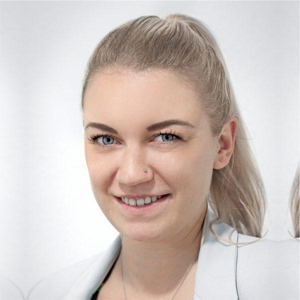 Lisa Blümel1