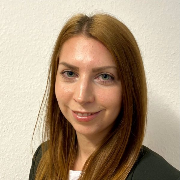 Melanie Stefaniak1