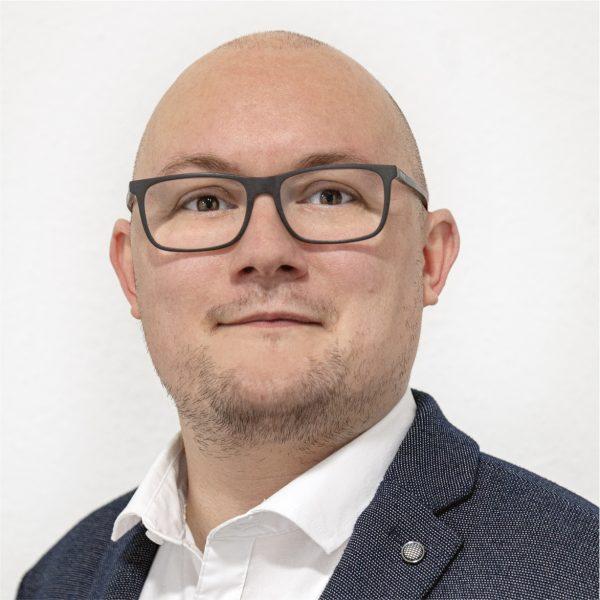 Thomas Voigtländer1